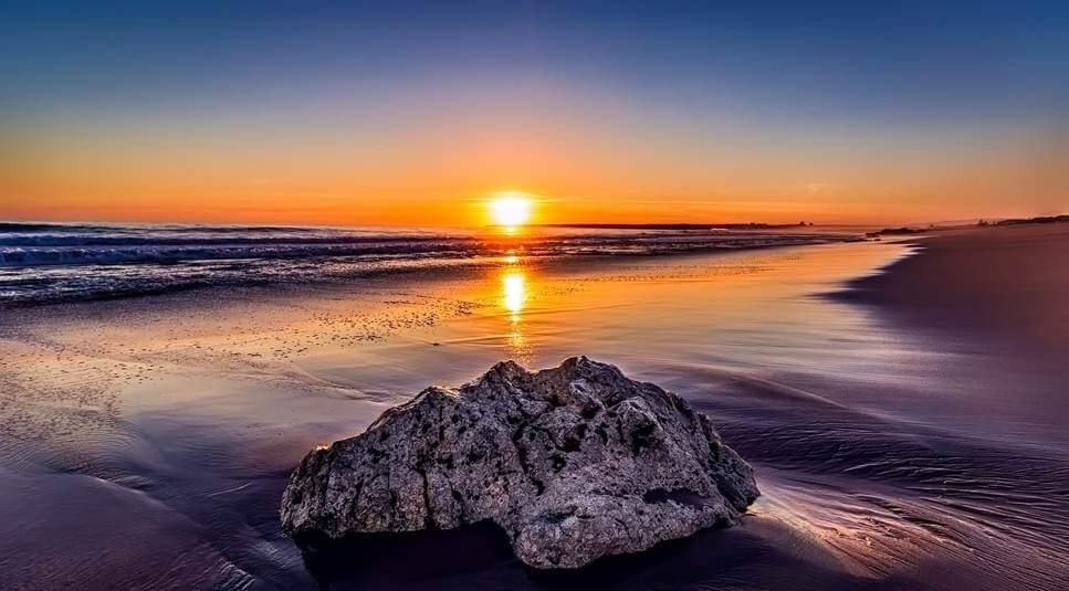 Zalazak Sunca na plaži u Andaluziji