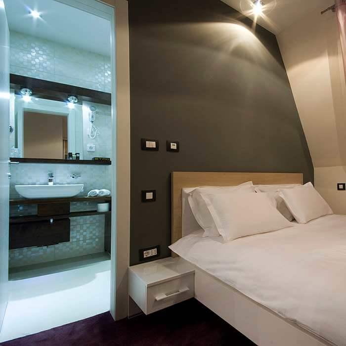 soba i kupatilo u hotelu soa
